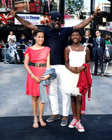 IDRIS ELBA ATTENDS WORLD PREMIERE OF WORLD WAR Z AT THE EMPIRE LEICESTER SQUARE, LONDON, UK ON 02/06/2013