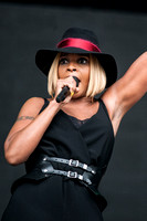 MARY J BLIGE PLAYS WORTHY FARM, GLASTONBURY, UK ON 26/06/2015