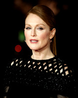 JULIANNE MOORE ATTENDS WORLD PREMIERE OF THE HUNGER GAMES: MOCKINGJAY PART 1 AT ODEON LEICESTER SQUARE, LONDON, UK ON 10/11/2014
