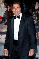 MANU BENNETT ATTENDS THE WORLD PREMIERE OF THE HOBBIT: THE BATTLE OF 5 ARMIES AT THE EMPIRE LEICESTER SQUARE, LONDON, UK ON 01/12/2014